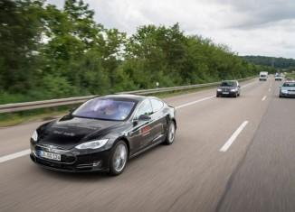 ボッシュ、安全な自動運転の未来へ向けTomTomと提携